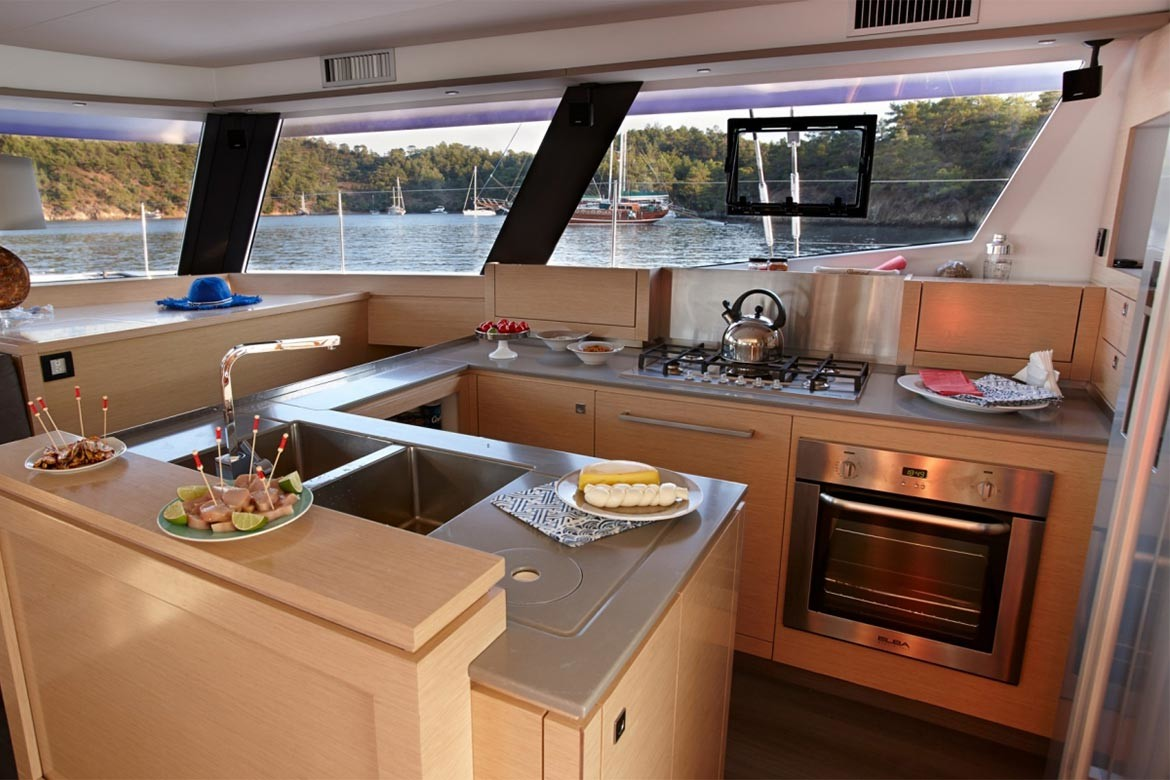 Fountaine Pajot Ipanema 58